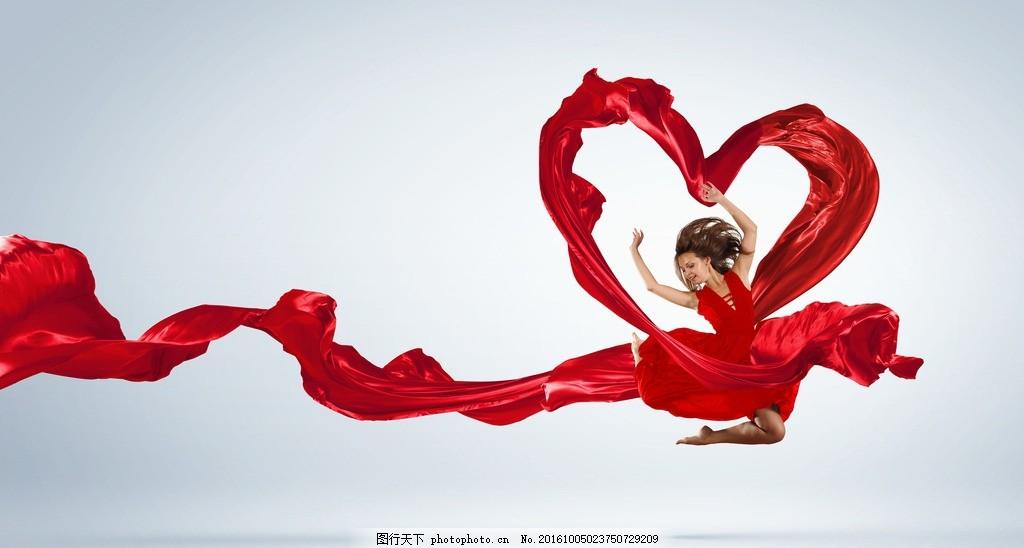 创意红色丝带美女图