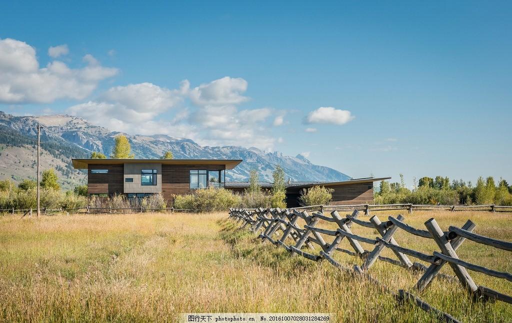 外景 蓝天 建筑园林 环境园艺 别墅花园 时尚空间 房间 窗 阳台欧式