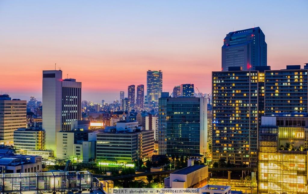城市夜景 高楼大厦 建筑 房子 天空 停车场 俯拍 城市上空 鸟瞰