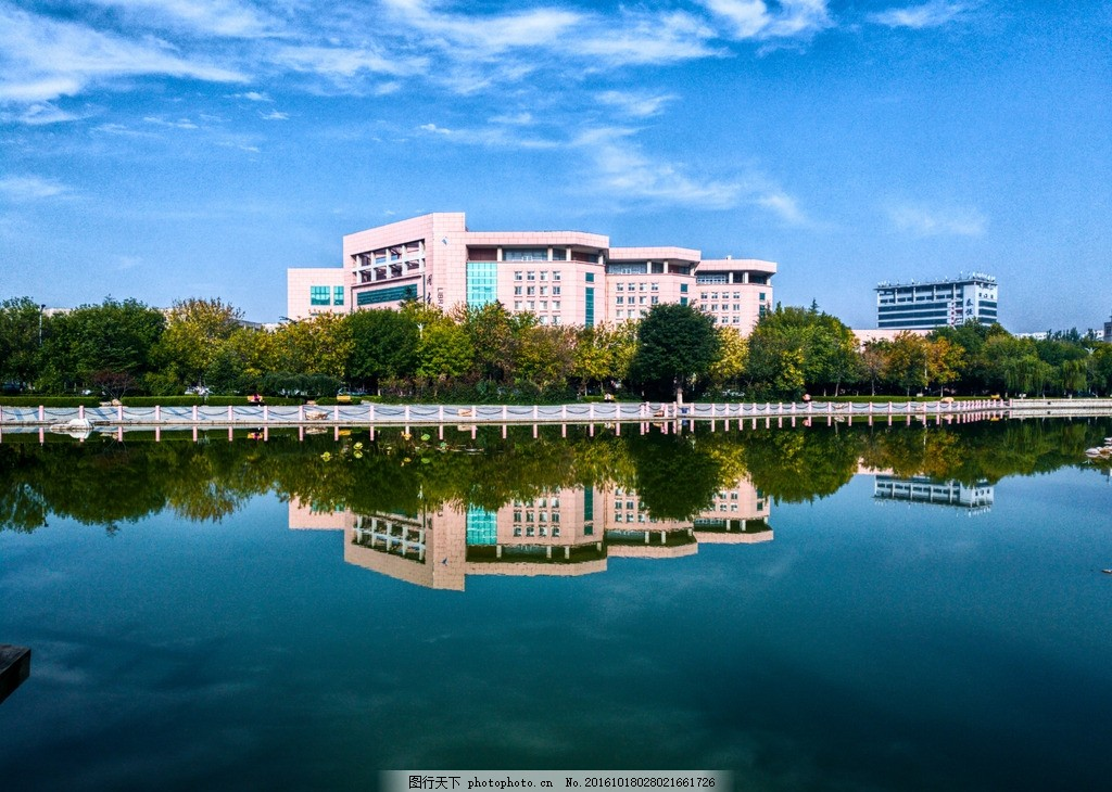 潍婉 潍坊学院 水面 倒影 镜对称 图书馆 72dpi 随色 摄影 建筑园林