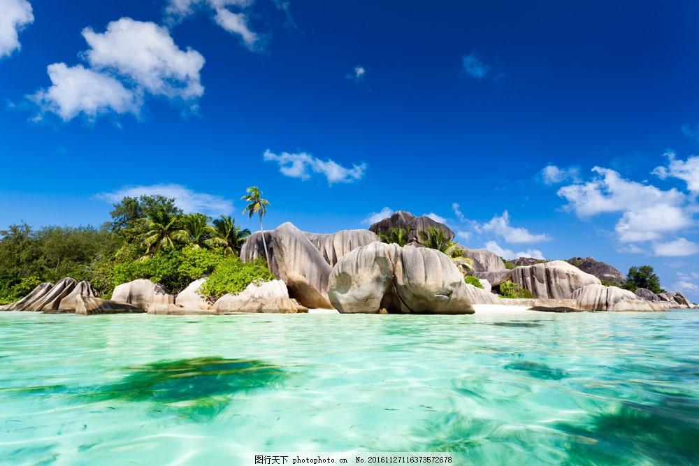 海边奇石景色图片素材 蓝天 石头 大海 夏季 沙滩 旅游 大海图片 风景