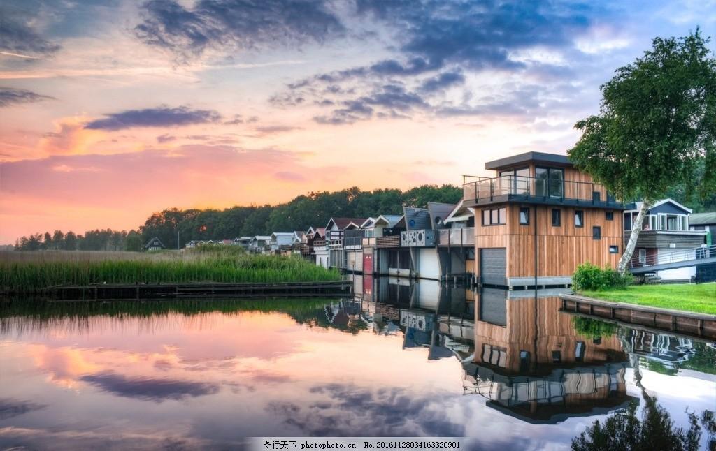 风景摄影图 风景图 照片 晚霞 水边房子 旅游摄影