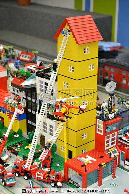 积木堆砌的房子 乐高 玩具 孩子们 播放 玩耍 创造力 建设 游戏堆砌