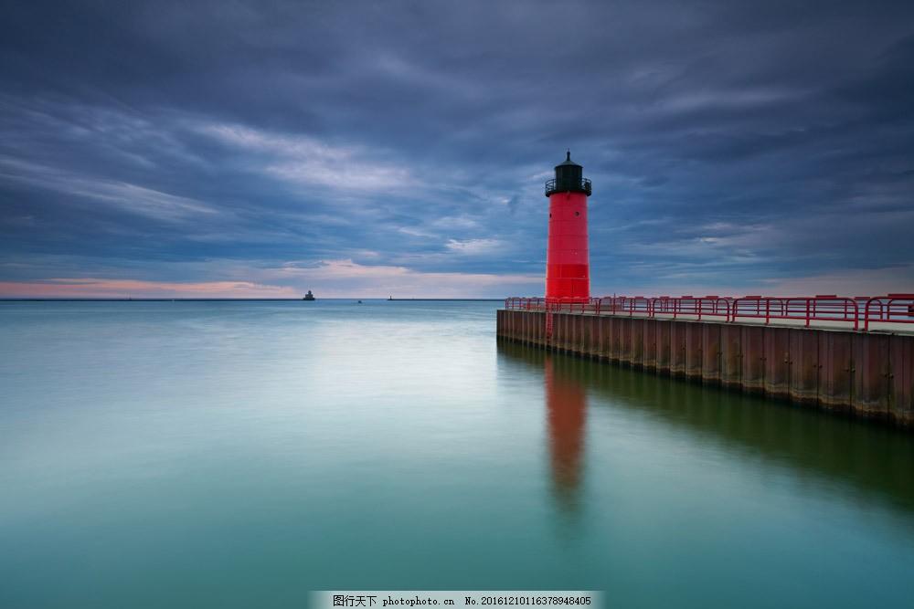 码头灯塔风景图片