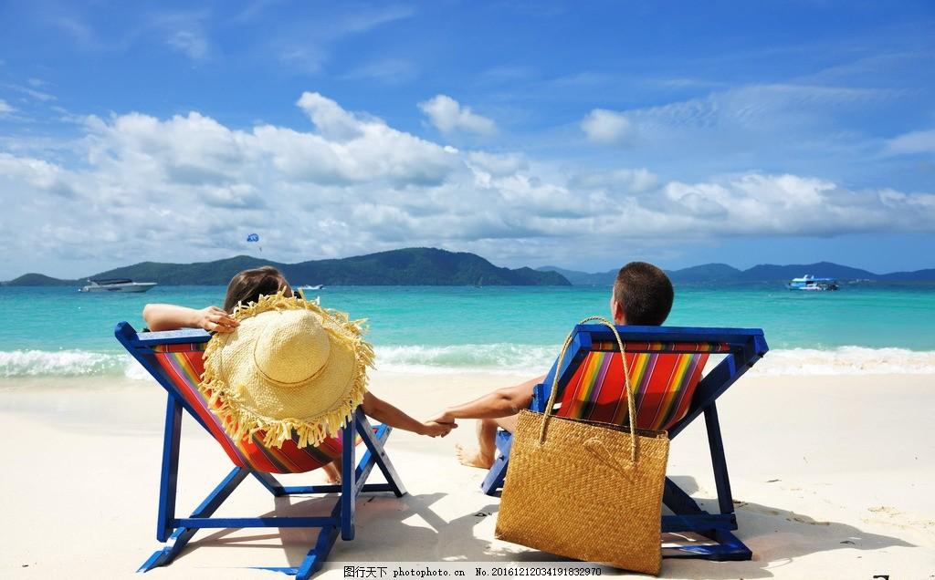 海边情侣 海边 蓝天 清澈 沙滩 海岛 海洋 海滩 海浪 波浪 浪漫 碧水