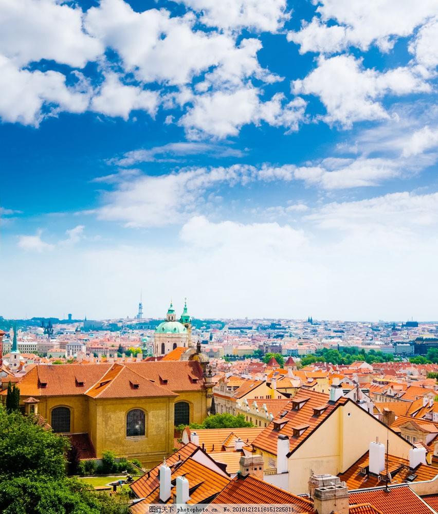 黄色屋顶风景图片
