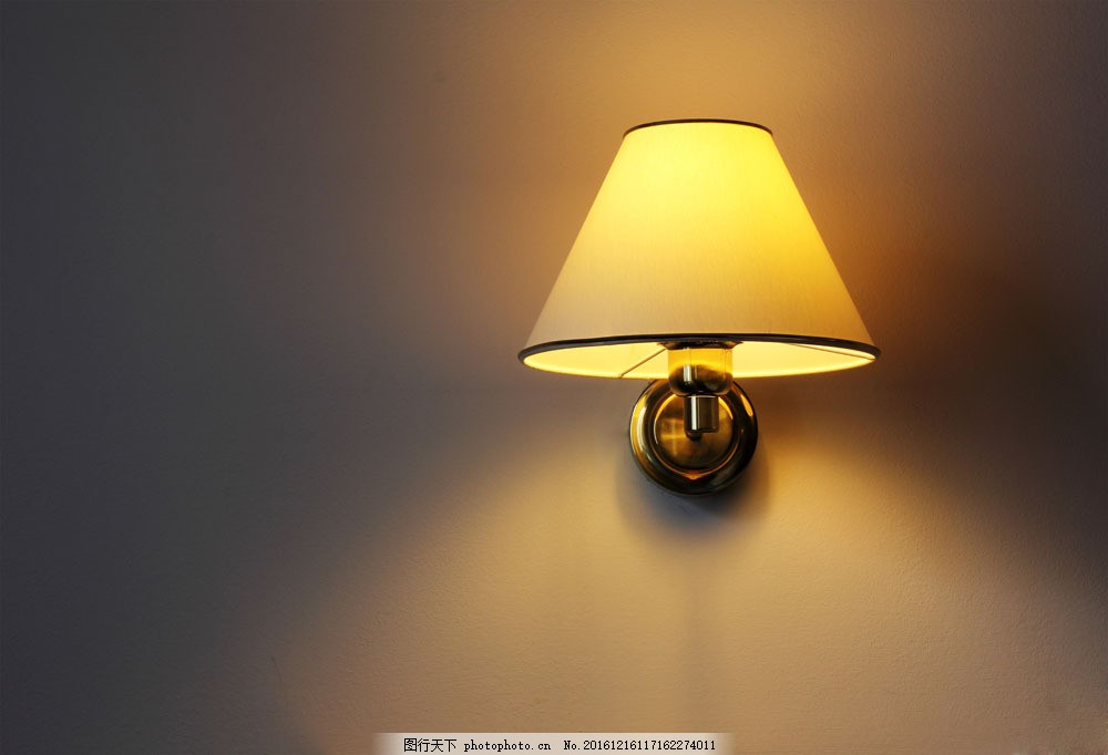 黑夜里的壁灯图片素材 欧式壁灯 墙壁花纹 壁灯 灯饰 灯具 时尚 家居