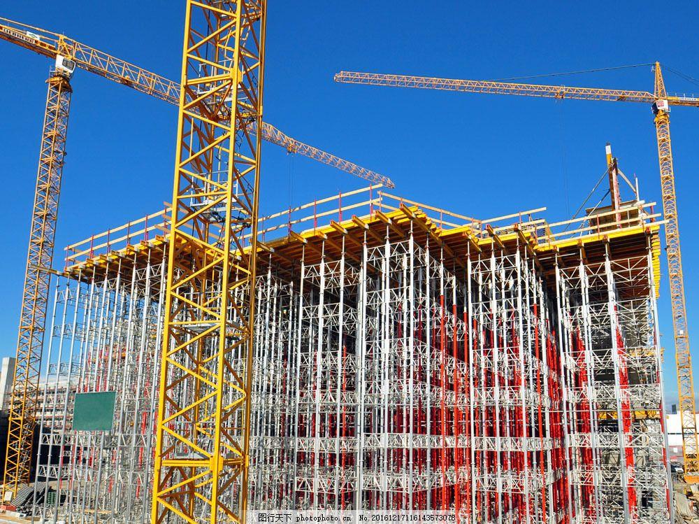 钢结构与塔吊图片素材 蓝天 铁架 钢结构 塔吊 建筑 工地 其他类别 环