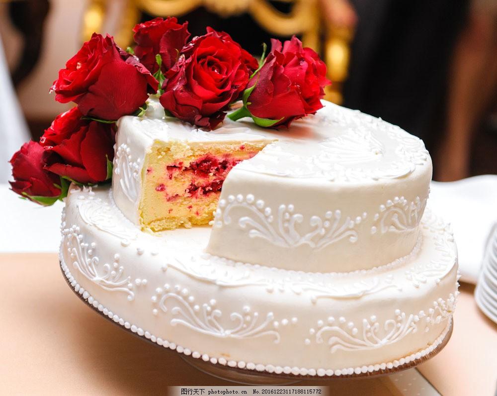 生日蛋糕上的玫瑰花图片图片