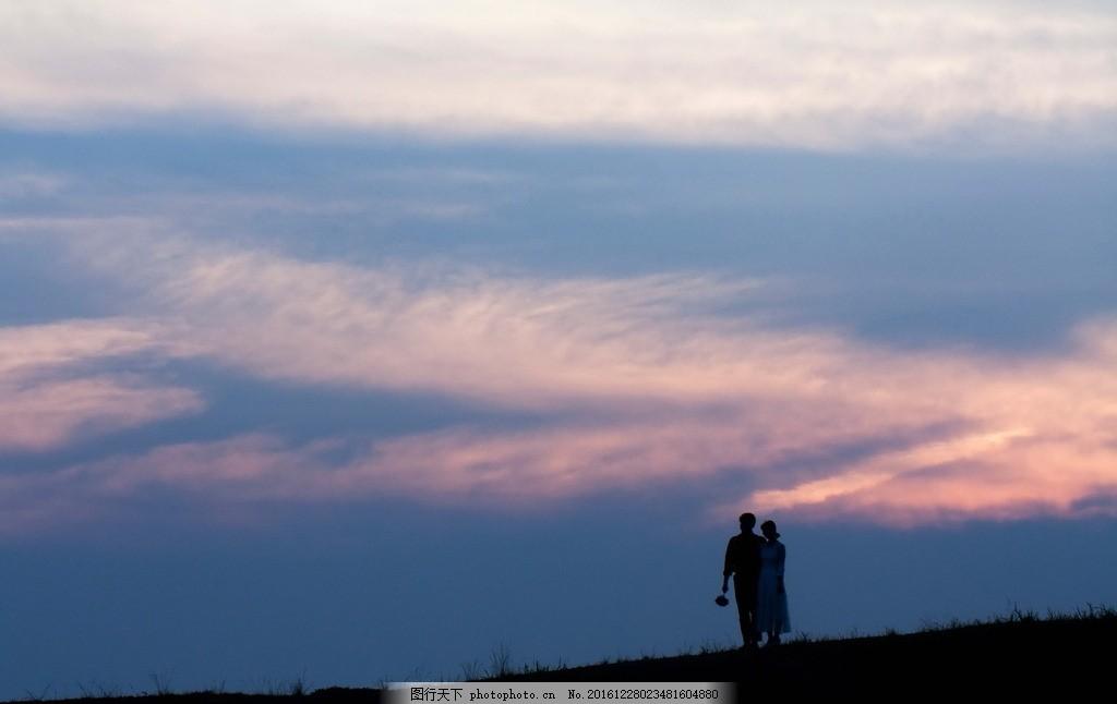 黃昏情侶剪影,傍晚 暮色 夜色 戀人 愛人 新婚夫婦-圖