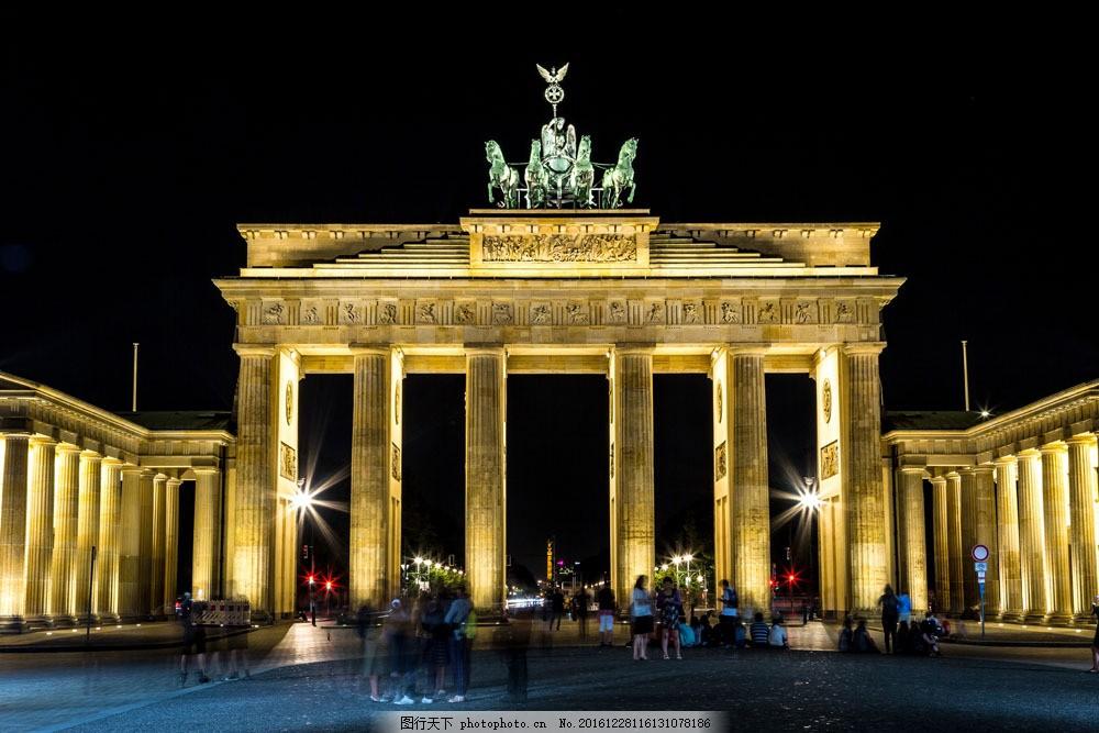 欧式广场建筑夜景图片