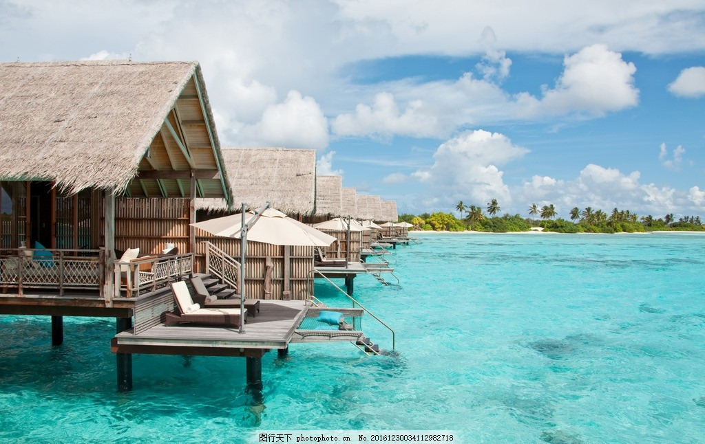 水上木屋 蓝天 白云 度假屋 旅游 圣地 海边 木屋 巴厘岛 海景 酒店
