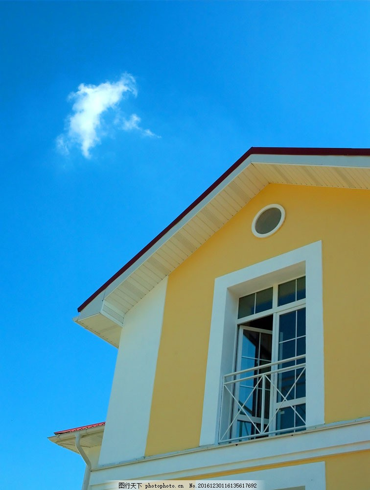 土黄色别墅屋顶一角图片素材 别墅庭院 欧式别墅 别墅设计 豪华别墅