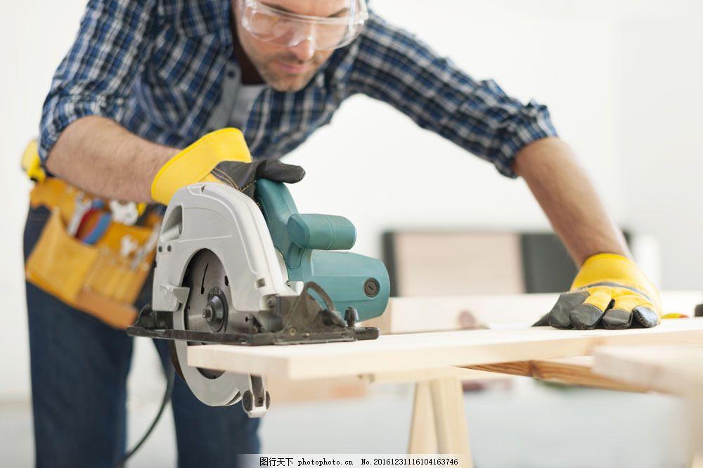 木匠装修工人图片