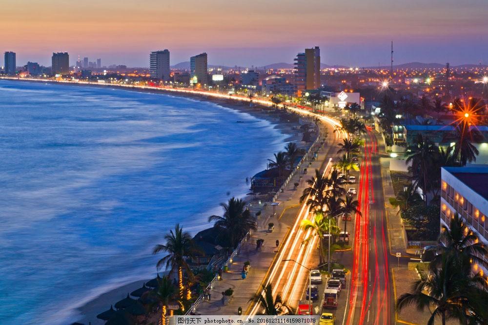 海边城市夜景风景图片